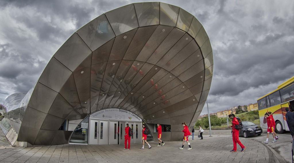 La Selección Española entrando al Palacio de los Deportes   Foto: Pablo Lanza